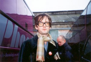 Jarvis (+ bus driver) arriving at Rock City. Photo by Kimiyo